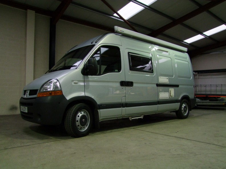 renault master campervan tow vehicle mitsubishi lancer. Black Bedroom Furniture Sets. Home Design Ideas